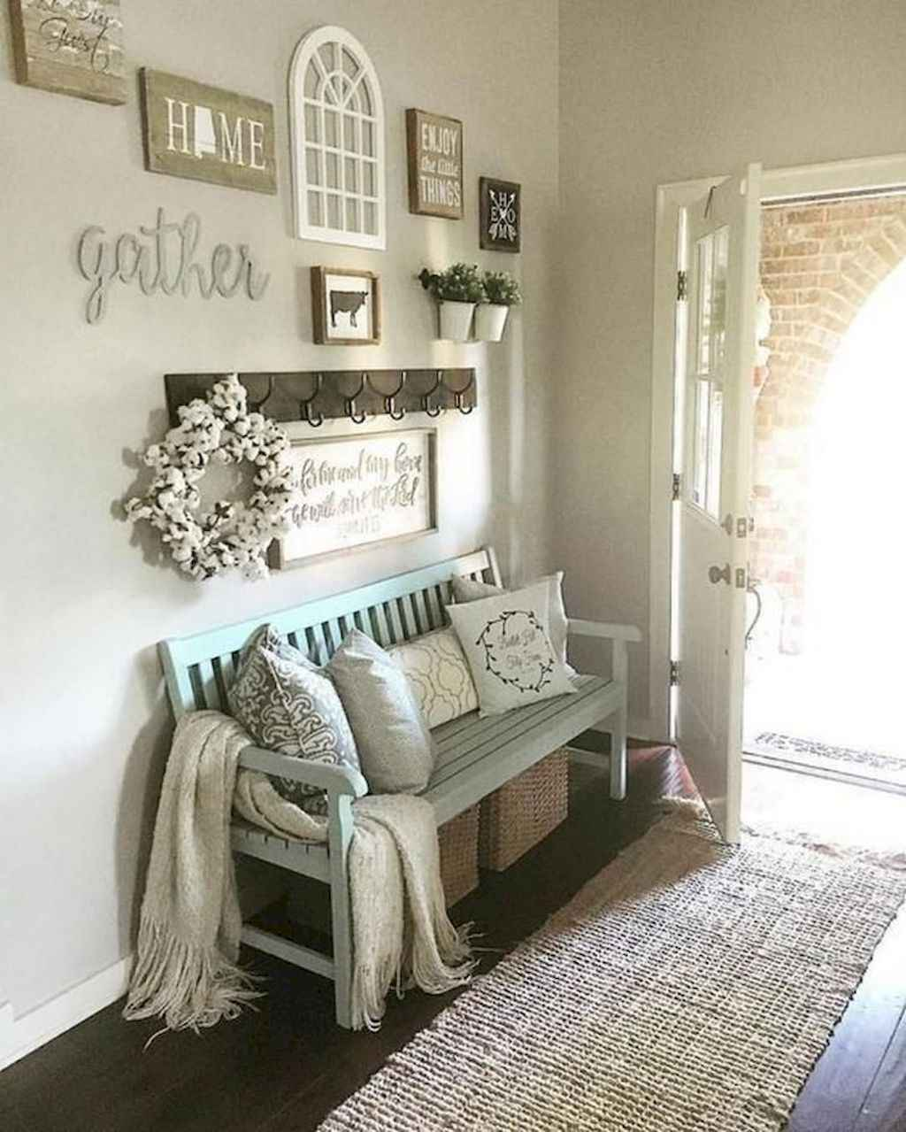 80 Welcoming Rustic Farmhouse Entryway Decorating Ideas