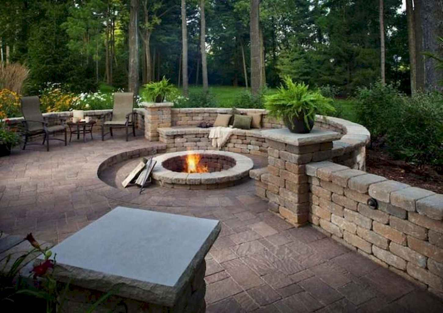 48 Awesome Backyard Fire Pits with Seating Ideas